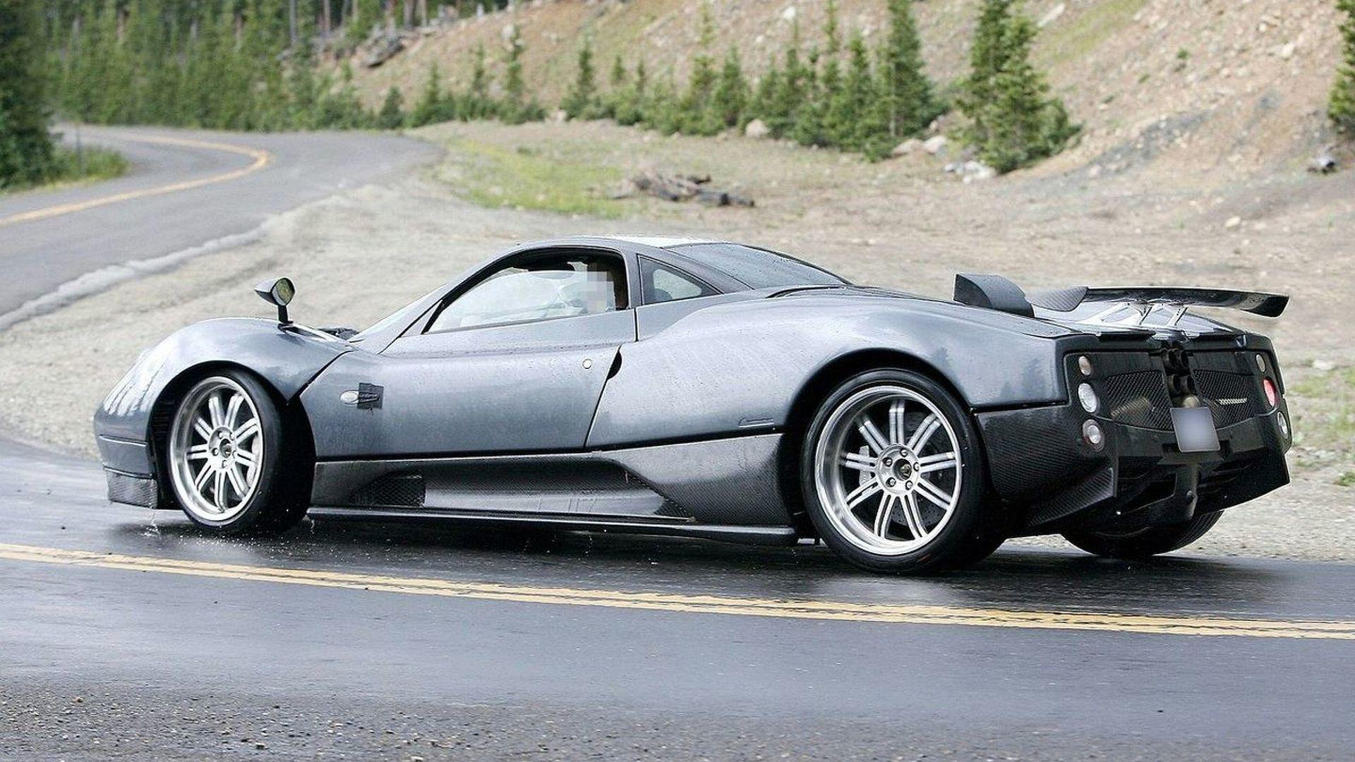 La Pagani C9 se fait désirer. Un concurrent pour la Lamborghini Aventador ?