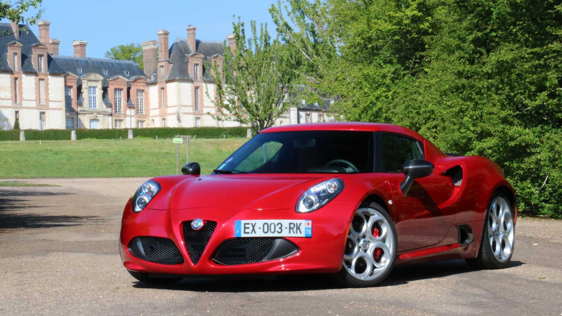 Alfa Romeo présente la 4C au salon de Genève